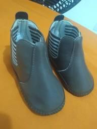 Vendo botinha e sapatênis minipasso novo