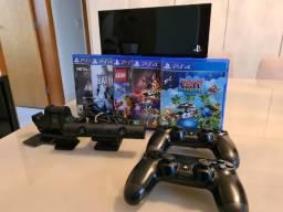 PS4 - 500gb (1a ger), 2 controles, dock station (carregador controles), câmera e 5 jogos