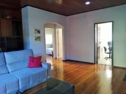 Casa com 300 m² de área construída, 5/4, nascente, Pituba