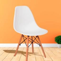 Cadeira Branca Eiffel Eames