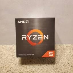 Processador AMD Ryzen 5 5600X 100-100000065BOX de 6 núcleos e 3.7GHz de frequência