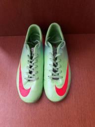 Chuteira salão Nike Mercurial tamanho 36