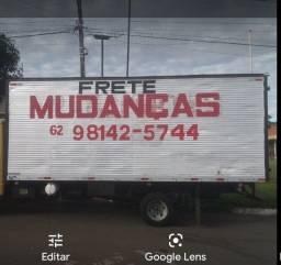 Vende baú 6 MT porta lateral .10.000
