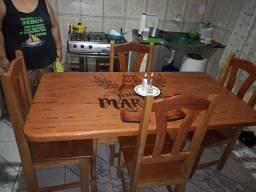 Título do anúncio: Mesa de Madeira com 4 cadeira