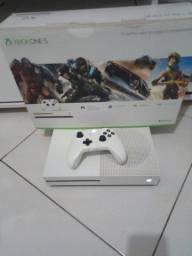 Vende-se Xbox one s novíssimo