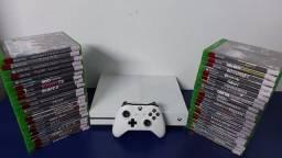 Xbox One S 1TB com garantia- Aceitamos PS3 mais volta