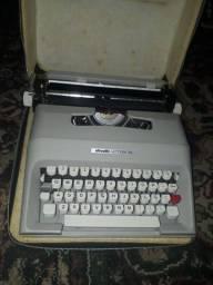 Título do anúncio: Vendo uma maquina de escrever