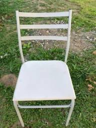 Título do anúncio: Cadeira de cozinha usada