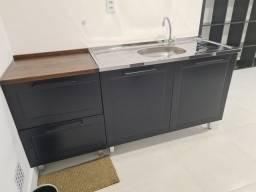Cozinha com armario para escritório da Tok Stok