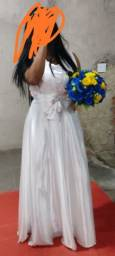 Título do anúncio: Vendo dois vestidos de noiva civil e religioso