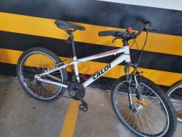 Bicicleta caloi em bom estado R$300