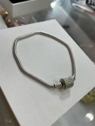 Título do anúncio: pulseira em prata de berloques cravejada