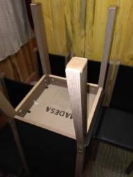 06 cadeiras sem uso.(Entrego)