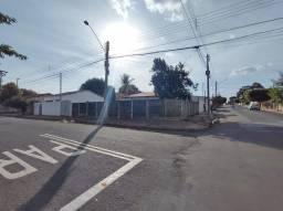 Título do anúncio: Excelente tereno para venda, com 293m² de área, bem localizado no bairro Toselar, na cidad