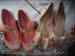 2 lindas sandálias, precinho de mãe!!!