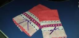 Conjunto de toalhas trançadas