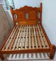 Cama de madeira maciça nova