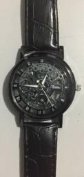 Relógio Analógico com Caixa Transparente com Pulseira de Couro Preto Produto Novo