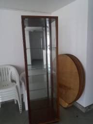 Cristaleira de espelho, vidro e madeira