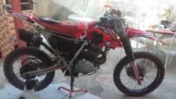 Vendo XR200 COM ROUPA CRF - 2000