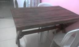 Mesa de madeira 1,20 x0,80 envernizada