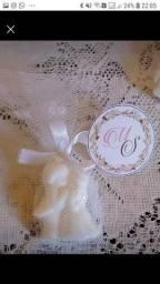 Trabalho com mini sabonetes, lembrancinhas casamento, chá de fraldas e noivado