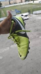 Chuteira Nike 40-41