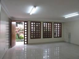 Casa com 3 quartos - Bairro Setor Marista em Goiânia