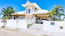 Belíssima Residência com Amplo Terreno no Campeche - Financiável