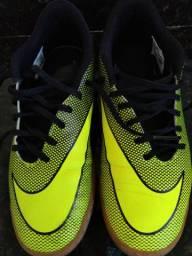 Tênis Nike futsal novo