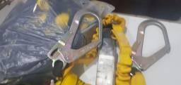 Cinto de segurança modelo paraqueda
