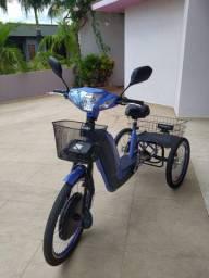 Triciclo elétrico REMA