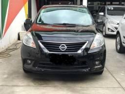 Nissan Versa 1.6 SL 2013 flex completo
