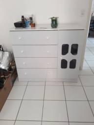 Cômoda em conservada 450 reais
