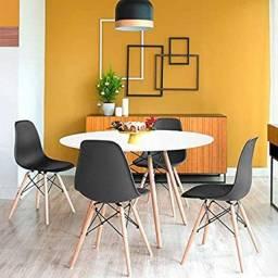 Conjunto Mesa Eiffel Eames c/ 4 cadeiras