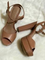 Sandália meia pata marrom