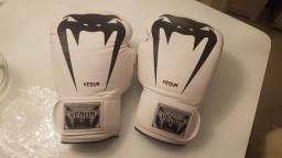 Título do anúncio: Luva de Boxe e Muay Thai Venum