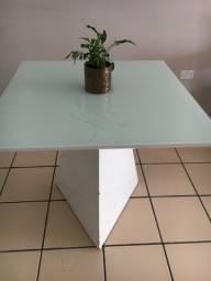 Mesa em laca branca