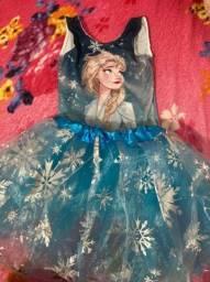 Título do anúncio: Vendo fantasia da Frozen