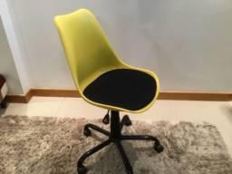 Cadeira escritório/estudo com rodinhas
