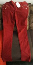 Calça vermelha tam. G, veste do 42 à 46. Estica bem.