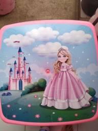 Conjunto de mesa e cadeira infantil princesa