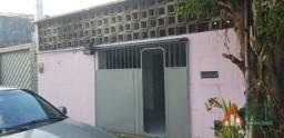 Título do anúncio: Casa com 3 quartos, 91 m², à venda por R$ 240.000
