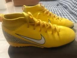 Chuteira Nike mercurial número 35