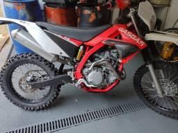 """Título do anúncio: Motocicleta para trilhas """"gas gas cami"""" usada"""