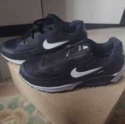 Tênis Nike tamanho 40