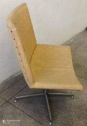 Cadeira giratória de loja