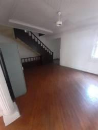 Título do anúncio: Gonzaga / Santos - Casa tipo sobrado com 3 dormitórios