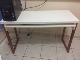 Mesa para computador. Perfeita