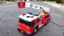 Título do anúncio: Carro de bombeiro